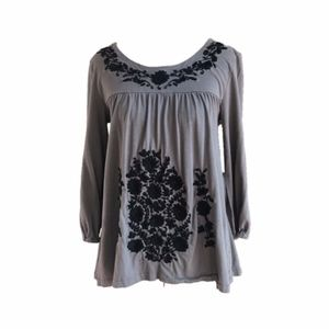 GARNET HILL Gray Black Embroidered Floral Blouse